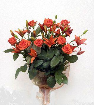 9 adet gül ve 3 adet lilyum çiçegi buketi   Van cicek , cicekci