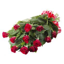 11 adet kirmizi gül buketi  Van yurtiçi ve yurtdışı çiçek siparişi