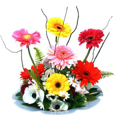 Van hediye çiçek yolla  camda gerbera ve mis kokulu kir çiçekleri