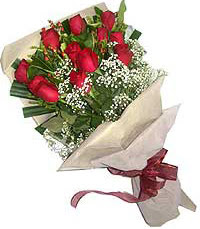 11 adet kirmizi güllerden özel buket  Van internetten çiçek siparişi