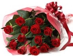 Van anneler günü çiçek yolla  10 adet kipkirmizi güllerden buket tanzimi