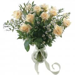 Vazoda 8 adet beyaz gül  Van 14 şubat sevgililer günü çiçek