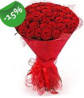 51 adet kırmızı gül buketi özel hissedenlere  Van çiçek siparişi sitesi