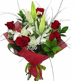 1 dal kazablanka 5 kırmızı gül buketi  Van kaliteli taze ve ucuz çiçekler