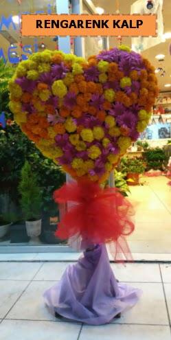 Ankara mevsim çiçeklerinden kalp perförje  Van çiçekçi telefonları