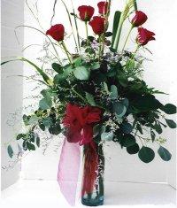 Van çiçek siparişi sitesi  7 adet gül özel bir tanzim