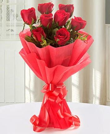 9 adet kırmızı gülden modern buket  Van İnternetten çiçek siparişi