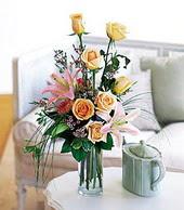Van çiçek , çiçekçi , çiçekçilik  cam yada mika vazo içerisinde gül kazablanka