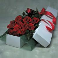Van online çiçek gönderme sipariş  11 adet gülden kutu