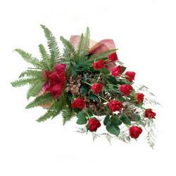 Van online çiçek gönderme sipariş  10 adet kirmizi gül özel buket çiçek siparisi