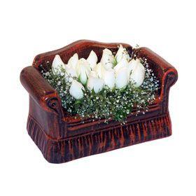 seramik içerisinde 11 gül  Van hediye çiçek yolla