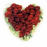 kalp biçiminde 15 gülden   Van güvenli kaliteli hızlı çiçek