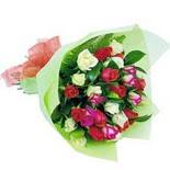 12 adet renkli gül buketi   Van çiçek gönderme sitemiz güvenlidir