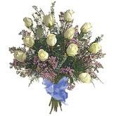 bir düzine beyaz gül buketi   Van çiçek gönderme sitemiz güvenlidir