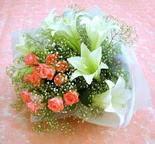 Van çiçek yolla  lilyum ve 7 adet gül buket