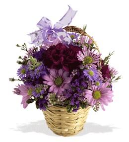 Van uluslararası çiçek gönderme  sepet içerisinde krizantem çiçekleri