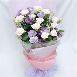 Van internetten çiçek satışı  BEYAZ GÜLLER VE KIR ÇIÇEKLERIS BUKETI