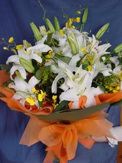Van internetten çiçek satışı  5 ADET KAZABLANKA BUKETI KALITEDEN SASMAYANLARA