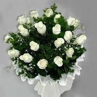 Van hediye çiçek yolla  11 adet beyaz gül buketi ve bembeyaz amnbalaj
