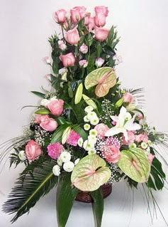 Van ucuz çiçek gönder  özel üstü süper aranjman