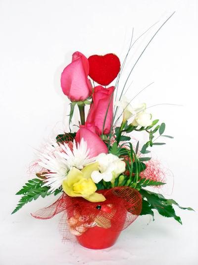 Van ucuz çiçek gönder  cam içerisinde 3 adet gül ve kir çiçekleri