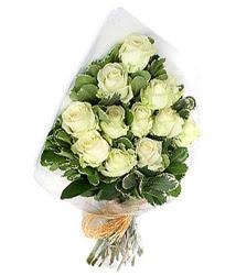 Van online çiçekçi , çiçek siparişi  12 li beyaz gül buketi.