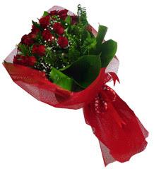 Van çiçek gönderme sitemiz güvenlidir  10 adet kirmizi gül demeti