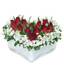 Van internetten çiçek siparişi  mika kalp içerisinde 9 adet kirmizi gül