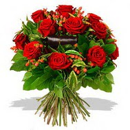 9 adet kirmizi gül ve kir çiçekleri  Van internetten çiçek satışı