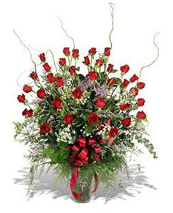 Van çiçek siparişi sitesi  33 adet kirmizi gül vazo içerisinde