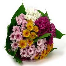 Van çiçekçi telefonları  Karisik kir çiçekleri demeti herkeze