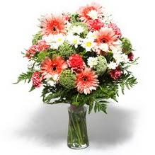 Van çiçekçiler  cam yada mika vazo içerisinde karisik demet çiçegi