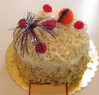 pasta siparisi 4 ile 6 kisilik yaspasta mis lezzette  Van çiçekçi telefonları