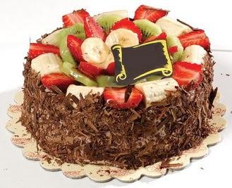 pastaci firmasindan 4 ile 6 kisilik çikolata meyvali yaspasta  Van çiçek siparişi sitesi