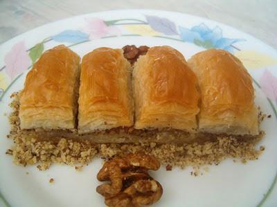 online pastane Essiz lezzette 1 kilo cevizli baklava  Van cicek , cicekci