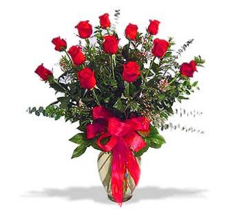 çiçek siparisi 11 adet kirmizi gül cam vazo  Van online çiçek gönderme sipariş
