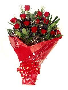 12 adet kirmizi gül buketi  Van çiçekçiler
