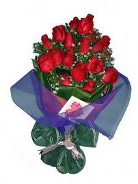 12 adet kirmizi gül buketi  Van online çiçek gönderme sipariş