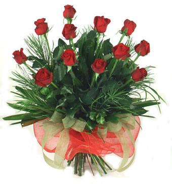 Çiçek yolla 12 adet kirmizi gül buketi  Van güvenli kaliteli hızlı çiçek