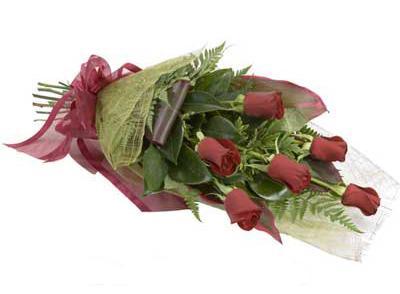 ucuz çiçek siparisi 6 adet kirmizi gül buket  Van çiçek siparişi sitesi