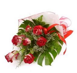 Çiçek gönder 9 adet kirmizi gül buketi  Van çiçek siparişi vermek