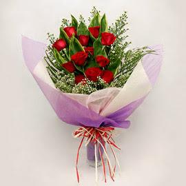 çiçekçi dükkanindan 11 adet gül buket  Van çiçekçi mağazası