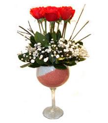 Van çiçekçiler  cam kadeh içinde 7 adet kirmizi gül çiçek