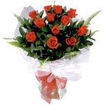 Van çiçek , çiçekçi , çiçekçilik  9 adet güzel bir gül buketi