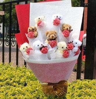 Van çiçek siparişi vermek  9 adet ayicik ve 9 adet yapay gül