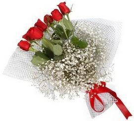 7 adet essiz kalitede kirmizi gül buketi  Van hediye sevgilime hediye çiçek