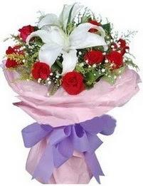 9 adet kirmizi gül 1 adet kazablanka buketi  Van çiçekçi mağazası