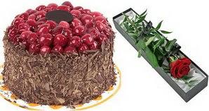 1 adet yas pasta ve 1 adet kutu gül  Van uluslararası çiçek gönderme