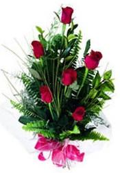 Van güvenli kaliteli hızlı çiçek  5 adet kirmizi gül buketi hediye ürünü