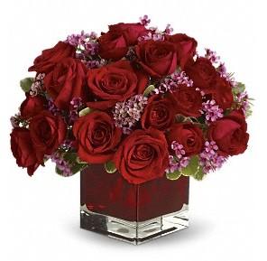 11 adet kırmızı gül vazosu  Van çiçekçiler